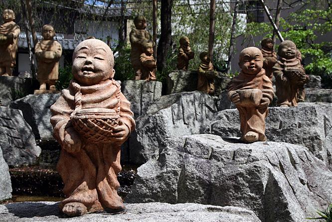 Japan, Kyoto, Shinto shrine 5