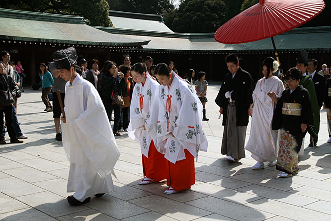 Wedding in Japan, Tokyo, Buddhist temple